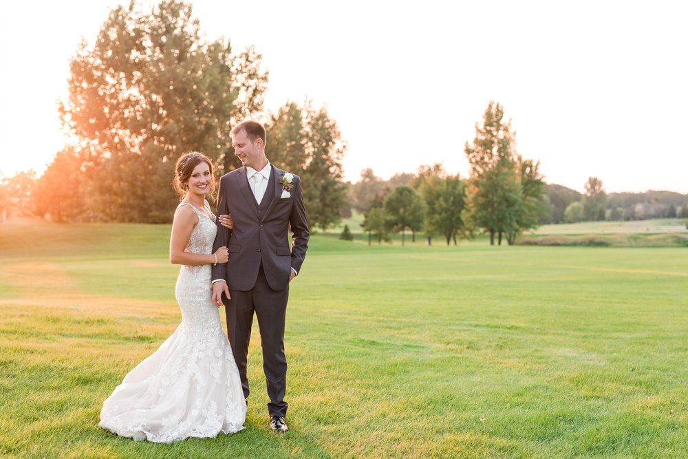 AmberLangerudPhotography_Perham Lakeside Golf Course Wedding_2900.jpg