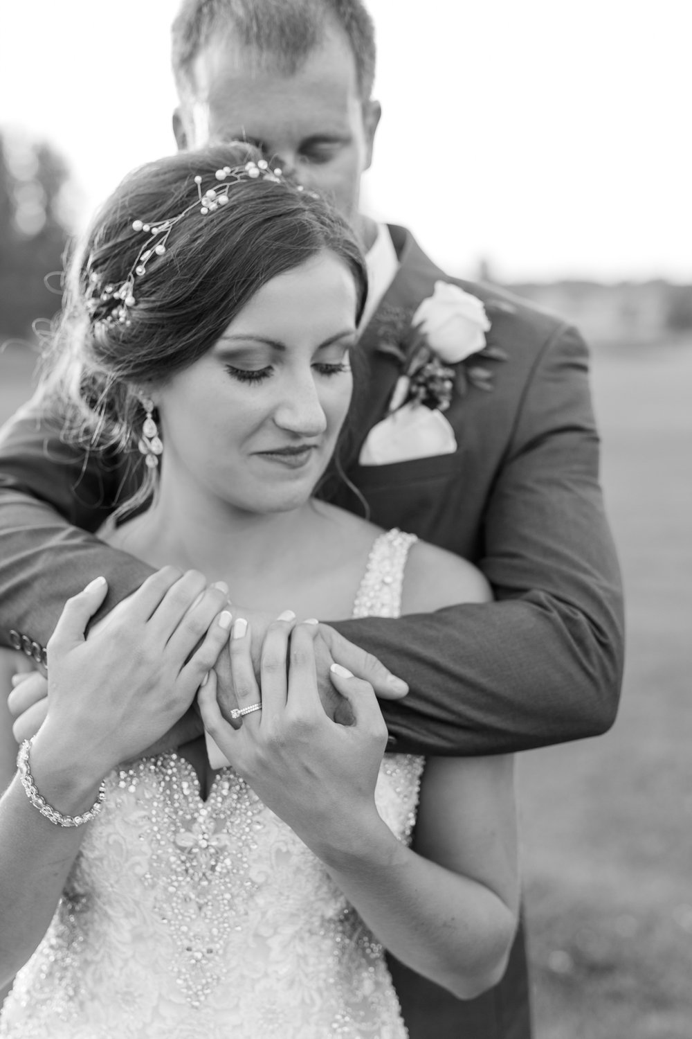 AmberLangerudPhotography_Perham Lakeside Golf Course Wedding_2899.jpg