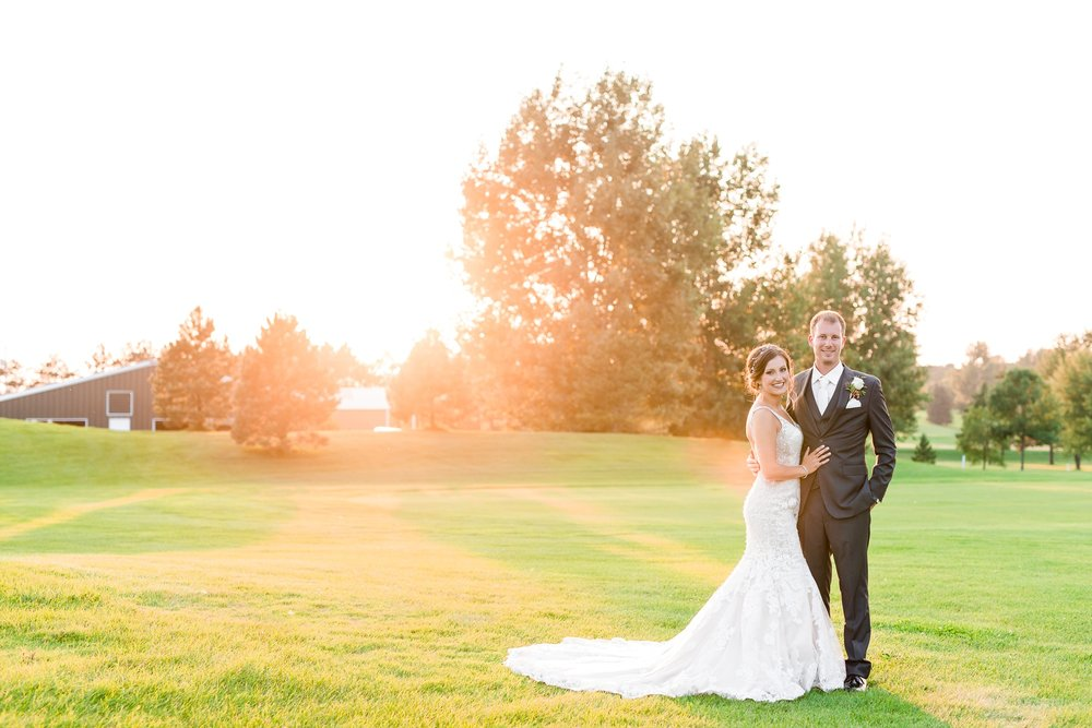 AmberLangerudPhotography_Perham Lakeside Golf Course Wedding_2903.jpg