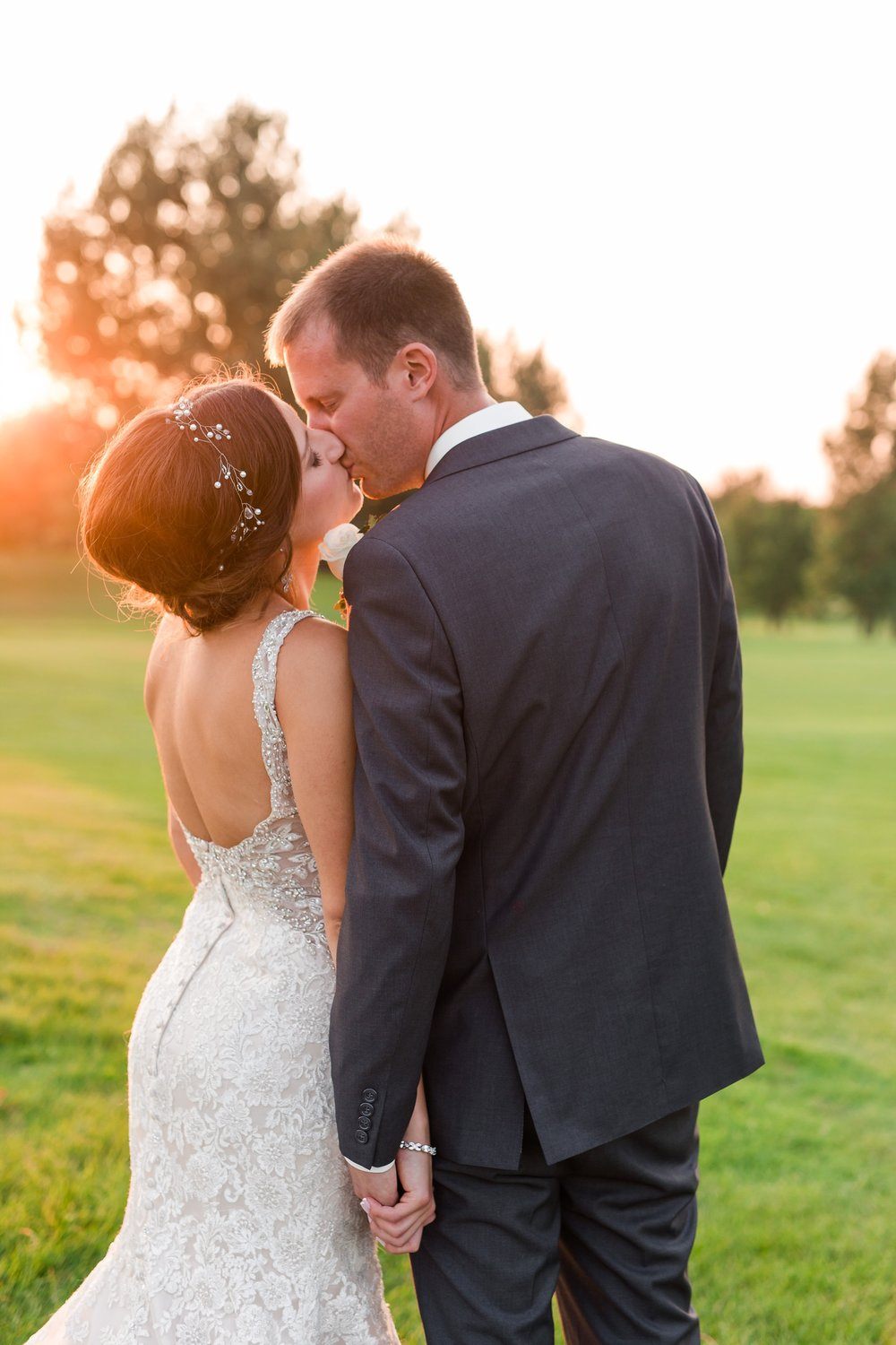 AmberLangerudPhotography_Perham Lakeside Golf Course Wedding_2902.jpg