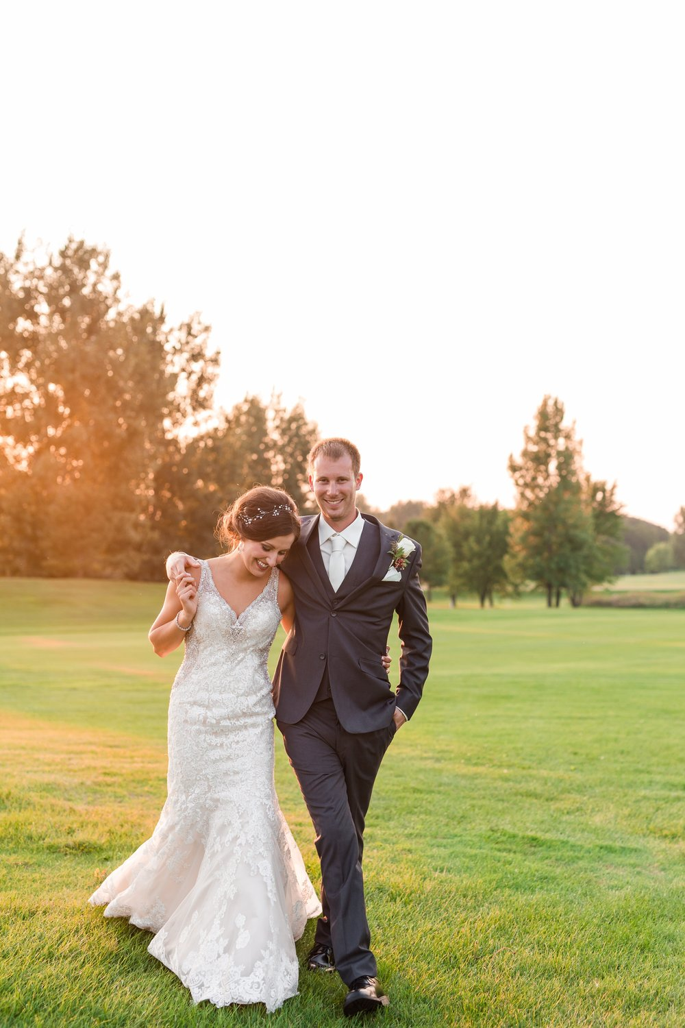 AmberLangerudPhotography_Perham Lakeside Golf Course Wedding_2904.jpg