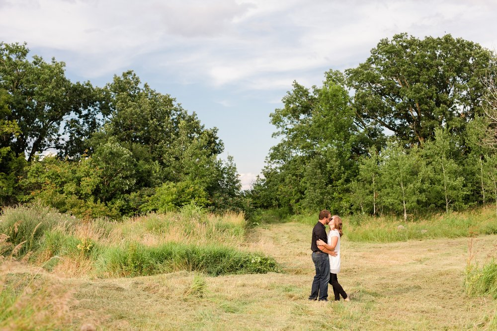 AmberLangerudPhotography_Countryside Engagement Session in Minnesota_3080.jpg