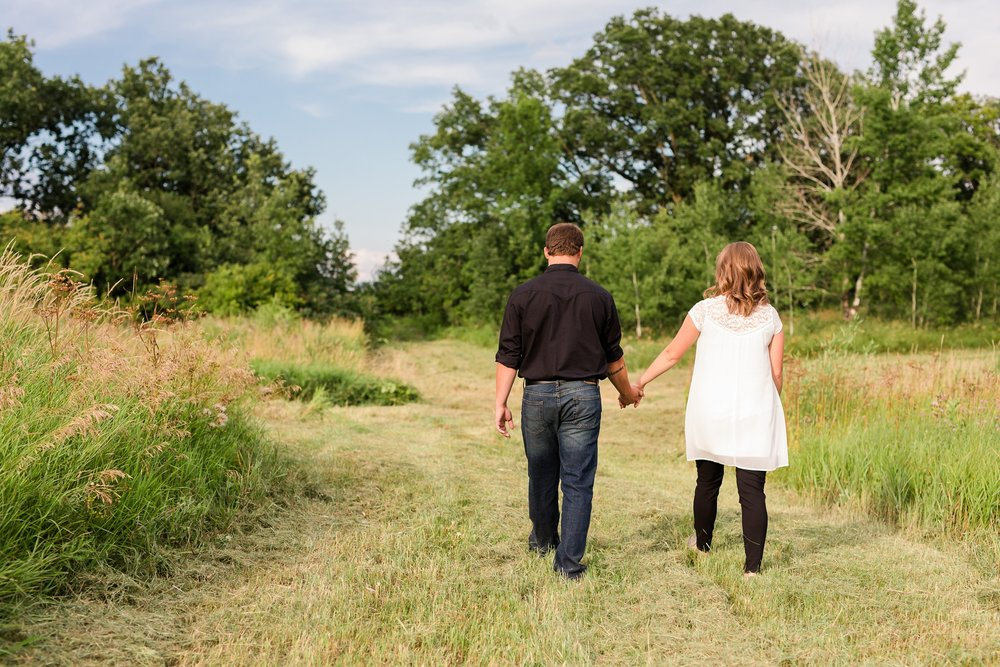 AmberLangerudPhotography_Countryside Engagement Session in Minnesota_3082.jpg
