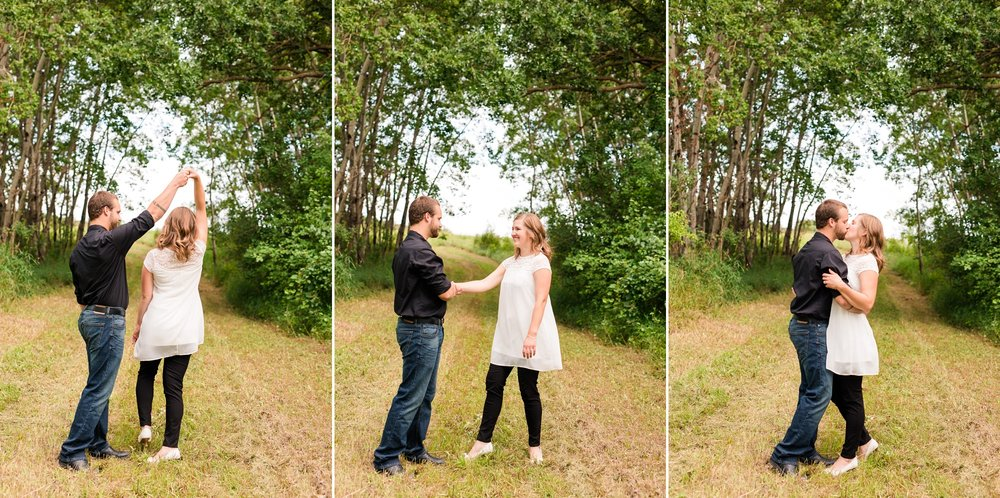 AmberLangerudPhotography_Countryside Engagement Session in Minnesota_3087.jpg