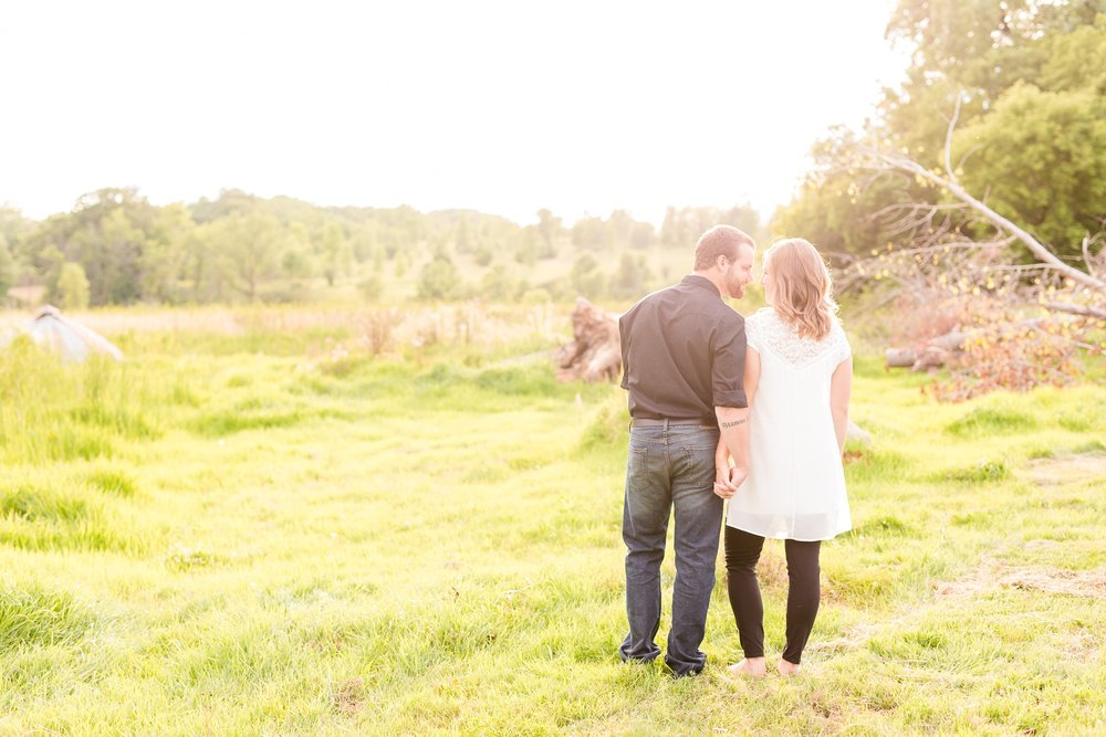 AmberLangerudPhotography_Countryside Engagement Session in Minnesota_3102.jpg