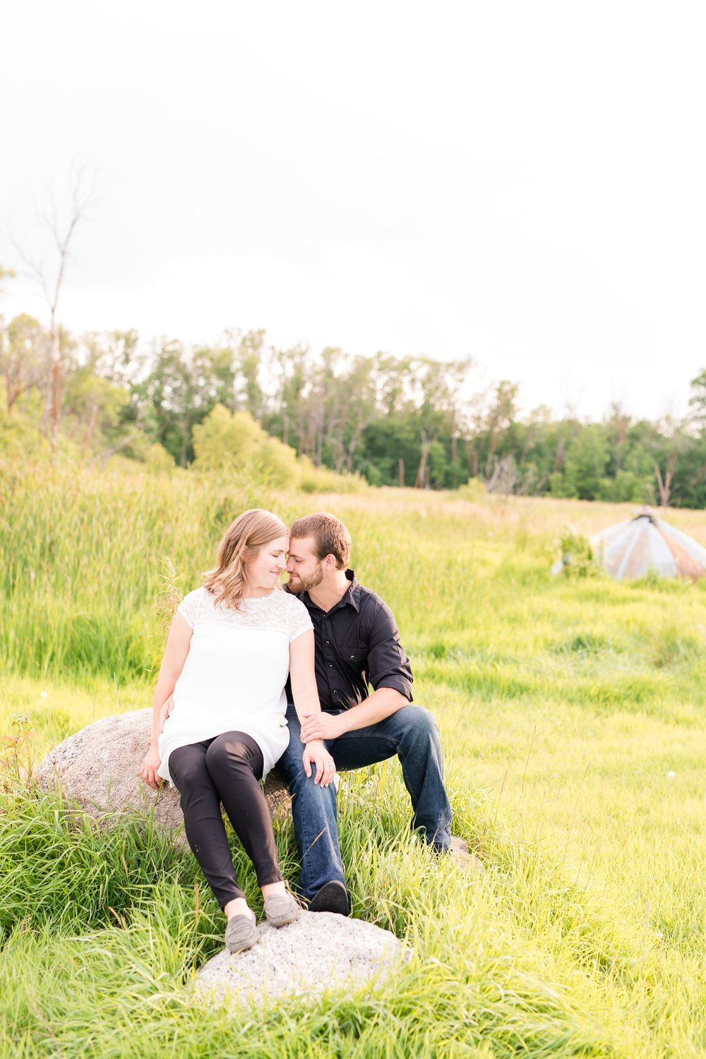 AmberLangerudPhotography_Countryside Engagement Session in Minnesota_3108.jpg
