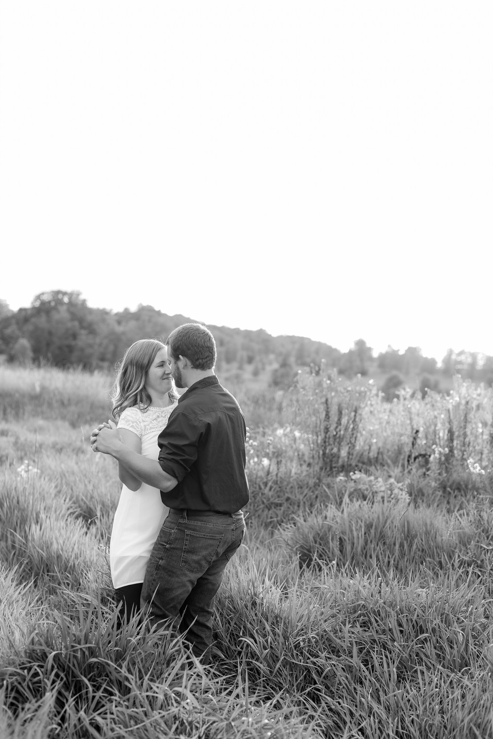 AmberLangerudPhotography_Countryside Engagement Session in Minnesota_3113.jpg