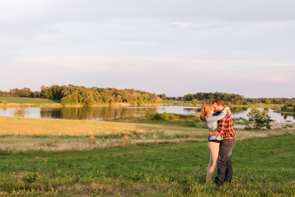 AmberLangerudPhotography_Countryside Engagement Session in Minnesota_3124.jpg