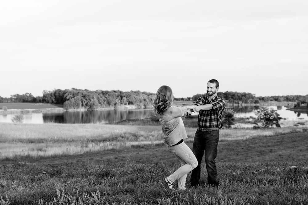 AmberLangerudPhotography_Countryside Engagement Session in Minnesota_3126.jpg