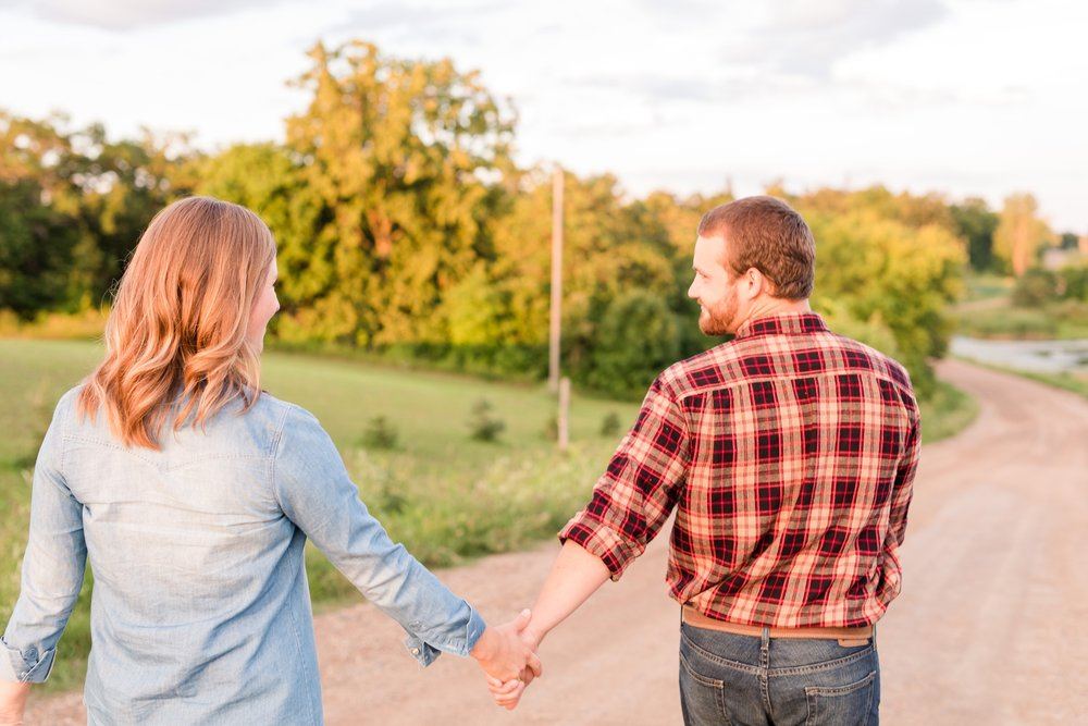 AmberLangerudPhotography_Countryside Engagement Session in Minnesota_3127.jpg