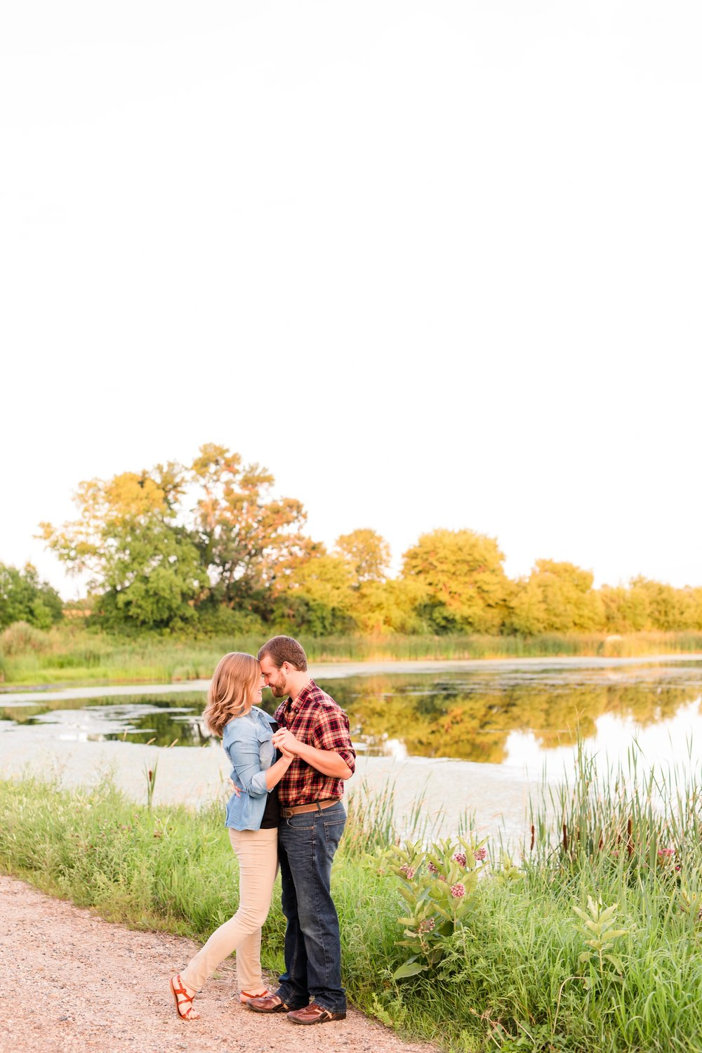 AmberLangerudPhotography_Countryside Engagement Session in Minnesota_3130.jpg