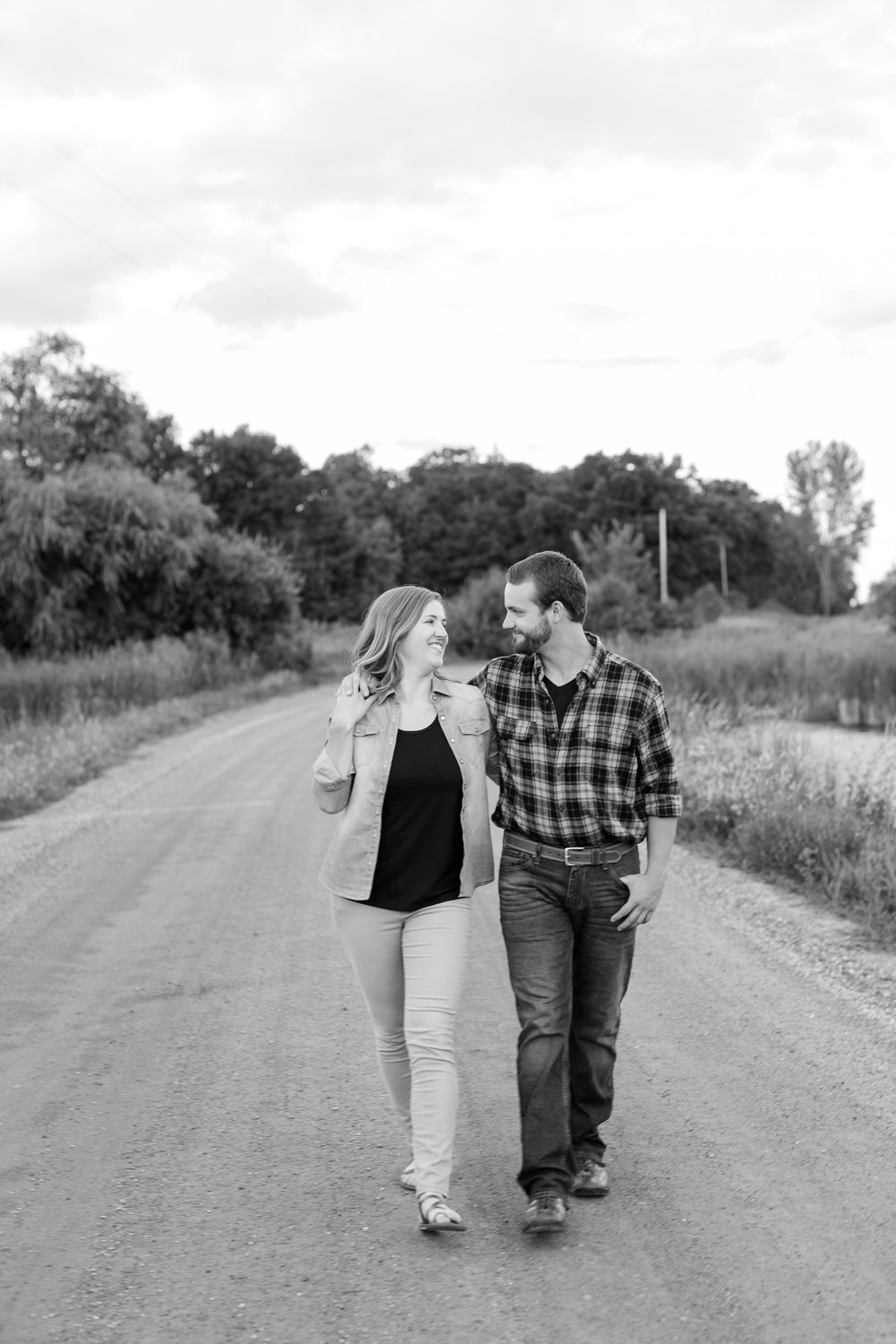 AmberLangerudPhotography_Countryside Engagement Session in Minnesota_3139.jpg