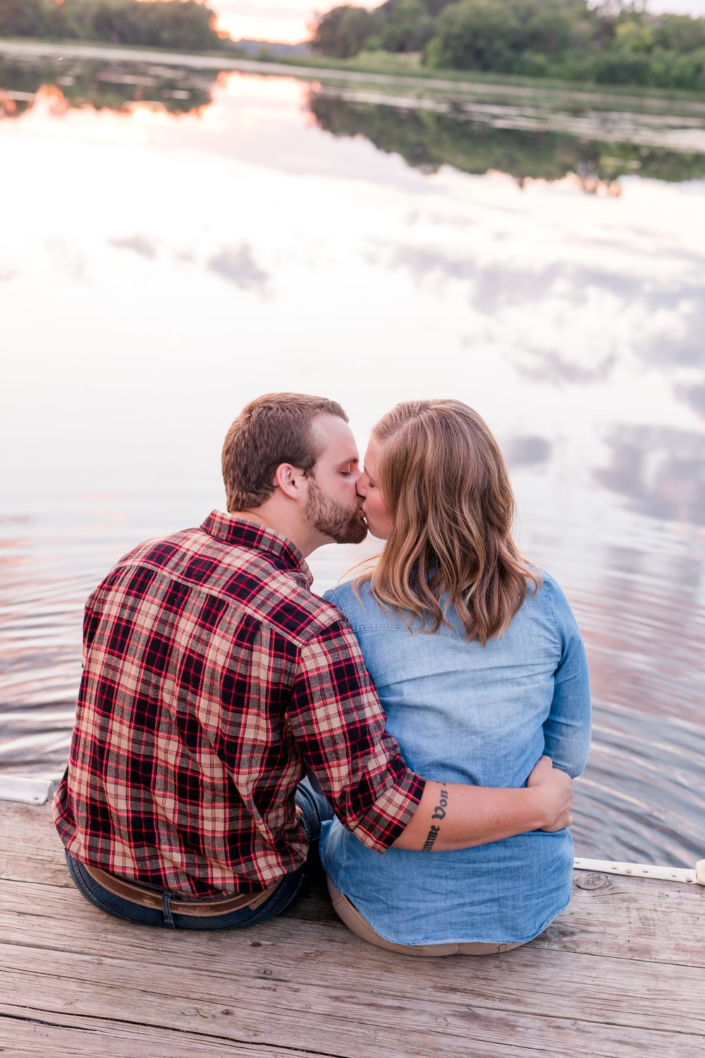 AmberLangerudPhotography_Countryside Engagement Session in Minnesota_3143.jpg