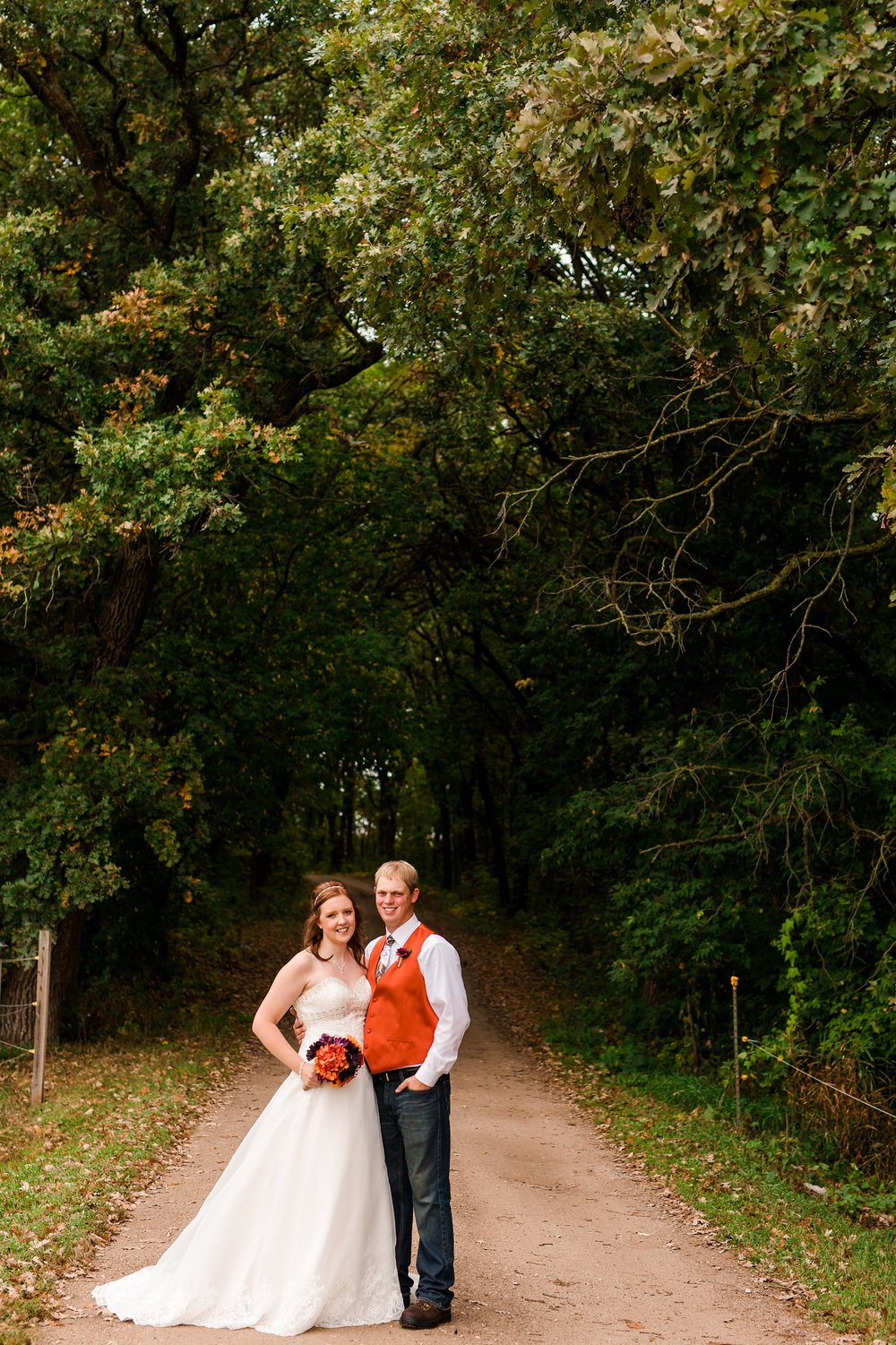 Amber Langerud_Lake Park MN Barn wedding at the Hitching Post_0395.jpg