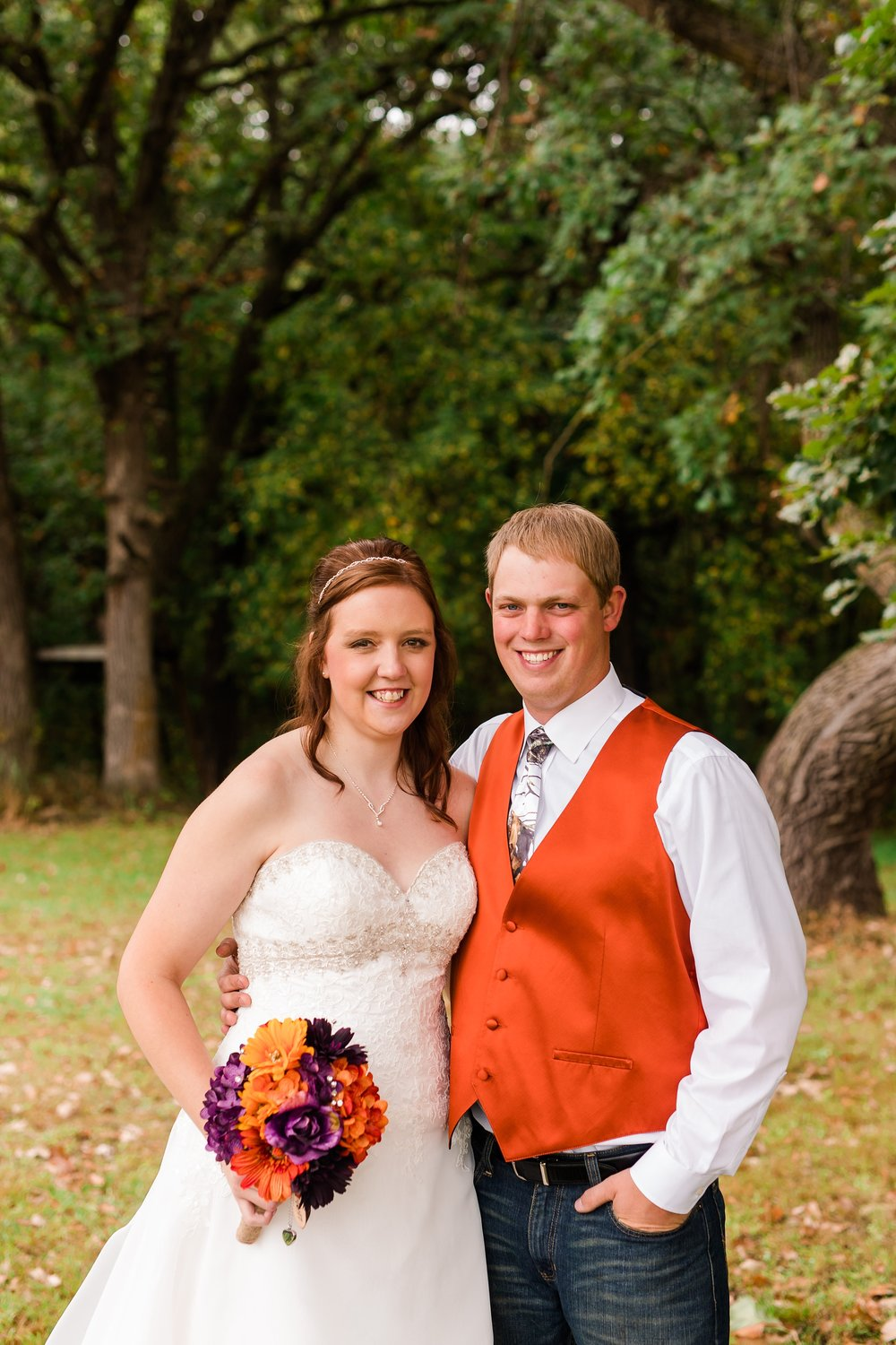 Amber Langerud_Lake Park MN Barn wedding at the Hitching Post_0407.jpg