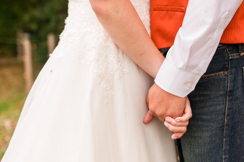 Amber Langerud_Lake Park MN Barn wedding at the Hitching Post_0415.jpg
