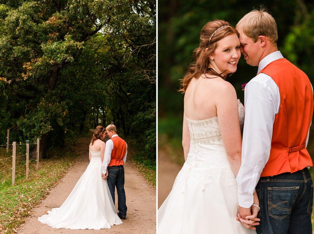 Amber Langerud_Lake Park MN Barn wedding at the Hitching Post_0417.jpg