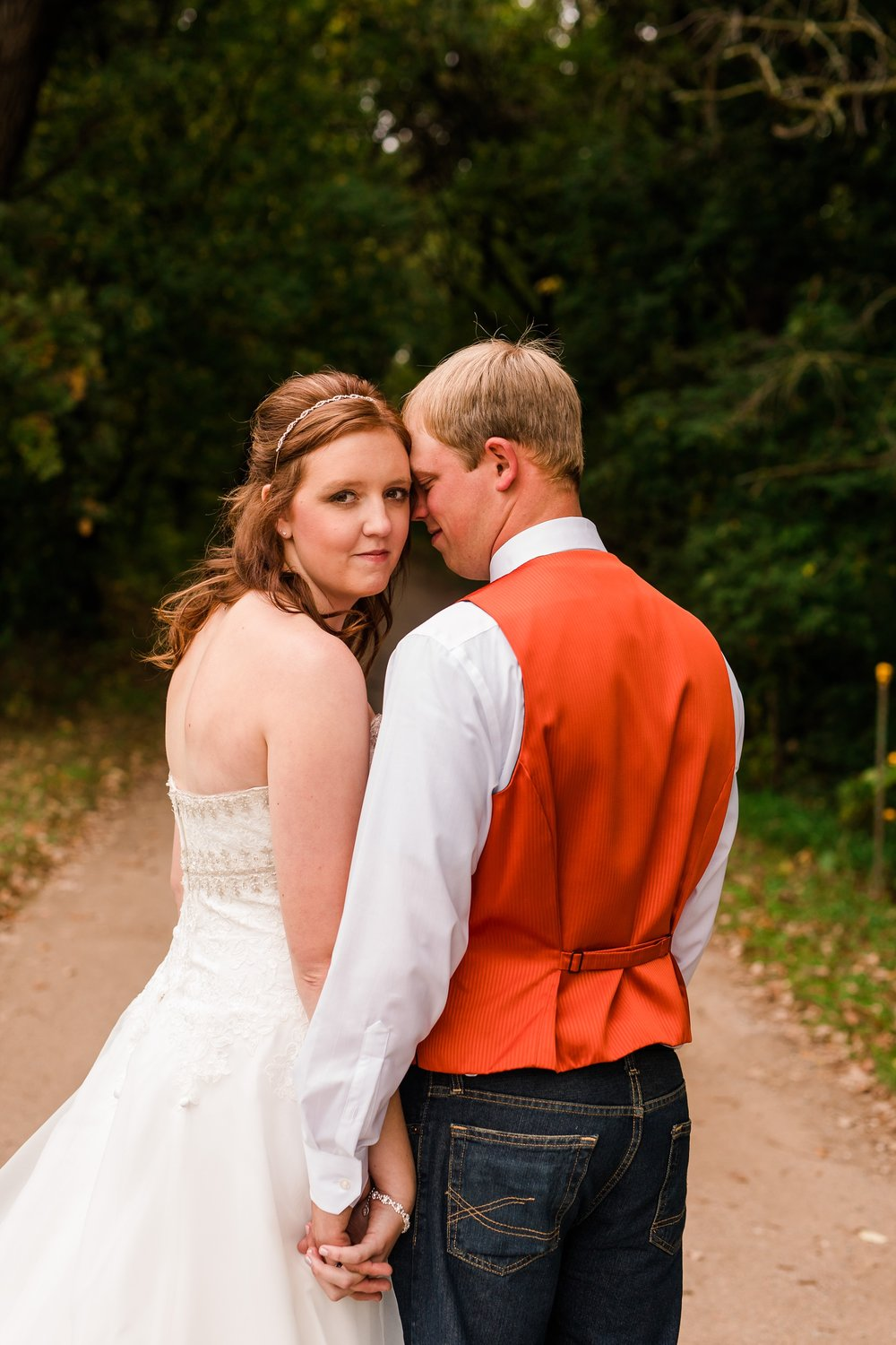 Amber Langerud_Lake Park MN Barn wedding at the Hitching Post_0418.jpg