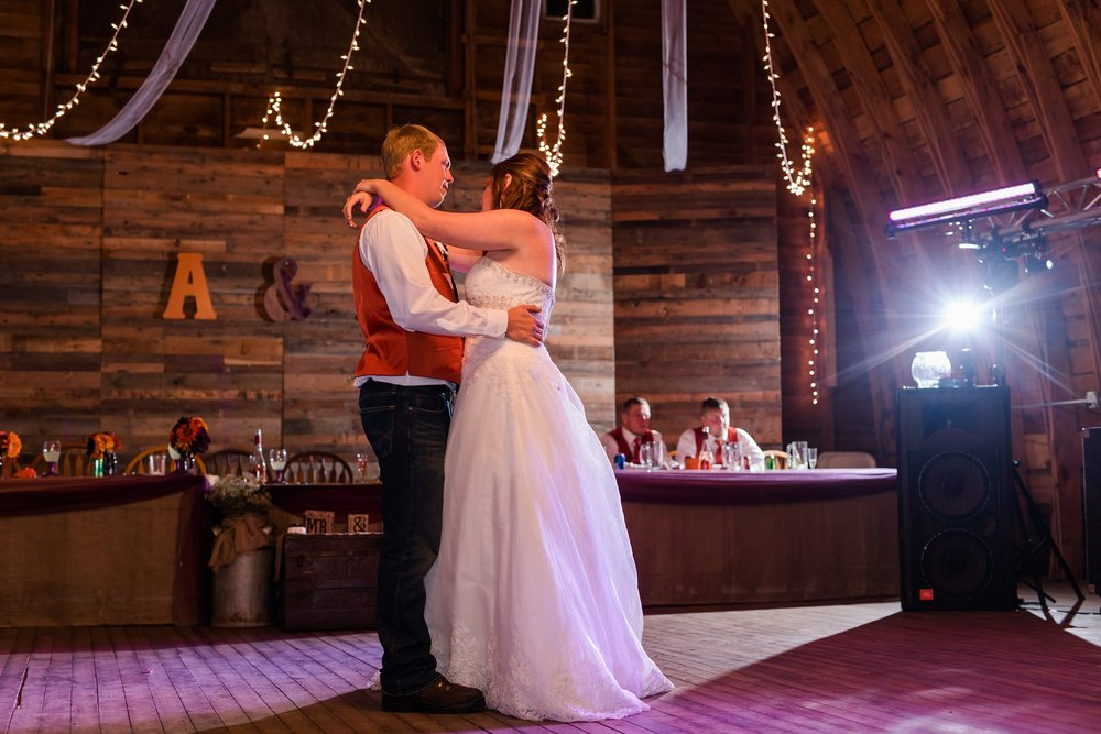 Amber Langerud_Lake Park MN Barn wedding at the Hitching Post_0468.jpg