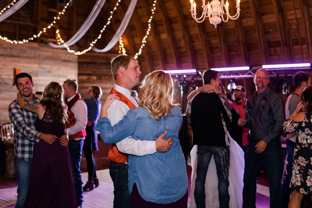 Amber Langerud_Lake Park MN Barn wedding at the Hitching Post_0471.jpg