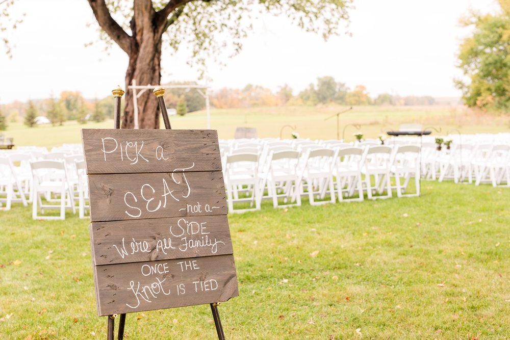 AmberLangerudPhotography_Fall, Barn At Dunvilla Wedding with outdoor ceremony_3327.jpg