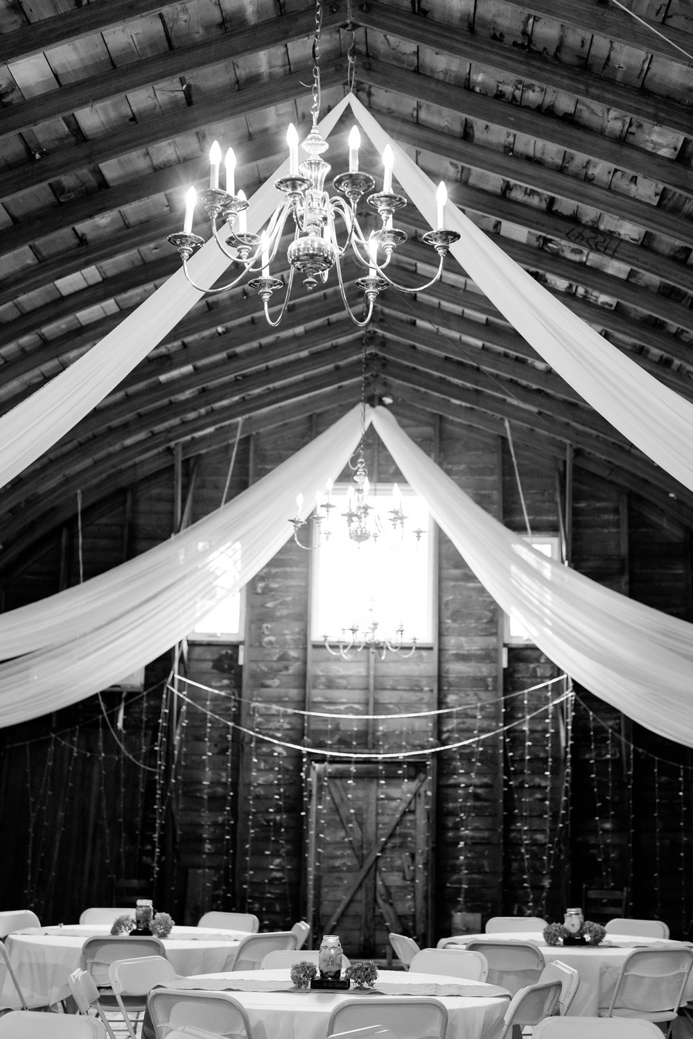 AmberLangerudPhotography_Fall, Barn At Dunvilla Wedding with outdoor ceremony_3358.jpg