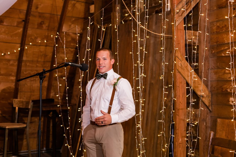 AmberLangerudPhotography_Fall, Barn At Dunvilla Wedding with outdoor ceremony_3369.jpg