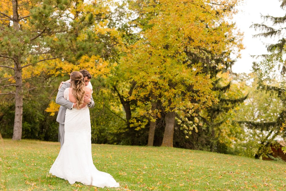 AmberLangerudPhotography_Fair Hills Resort Lakeside Wedding in Minnesota_3420.jpg