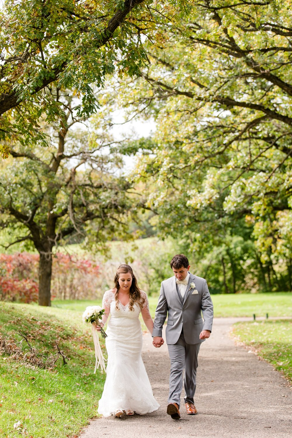 AmberLangerudPhotography_Fair Hills Resort Lakeside Wedding in Minnesota_3430.jpg