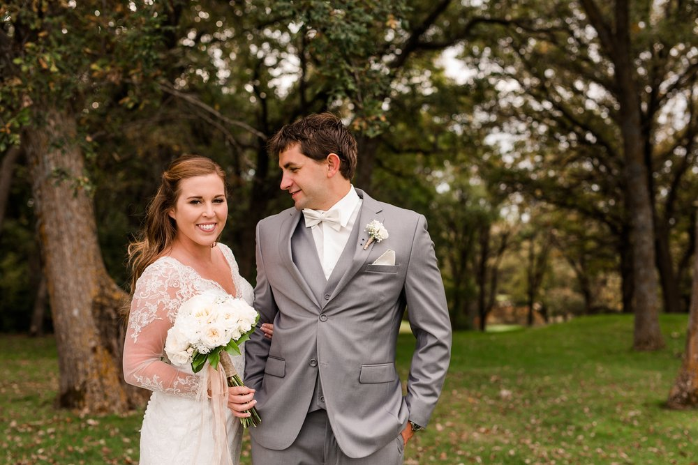 AmberLangerudPhotography_Fair Hills Resort Lakeside Wedding in Minnesota_3444.jpg