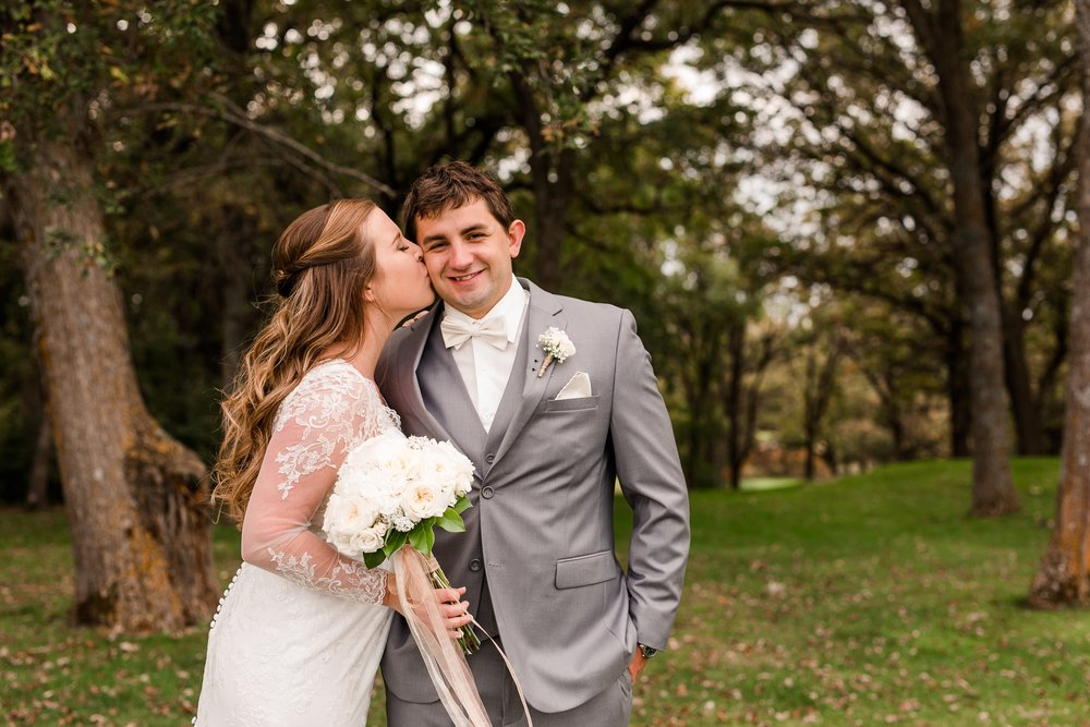 AmberLangerudPhotography_Fair Hills Resort Lakeside Wedding in Minnesota_3445.jpg
