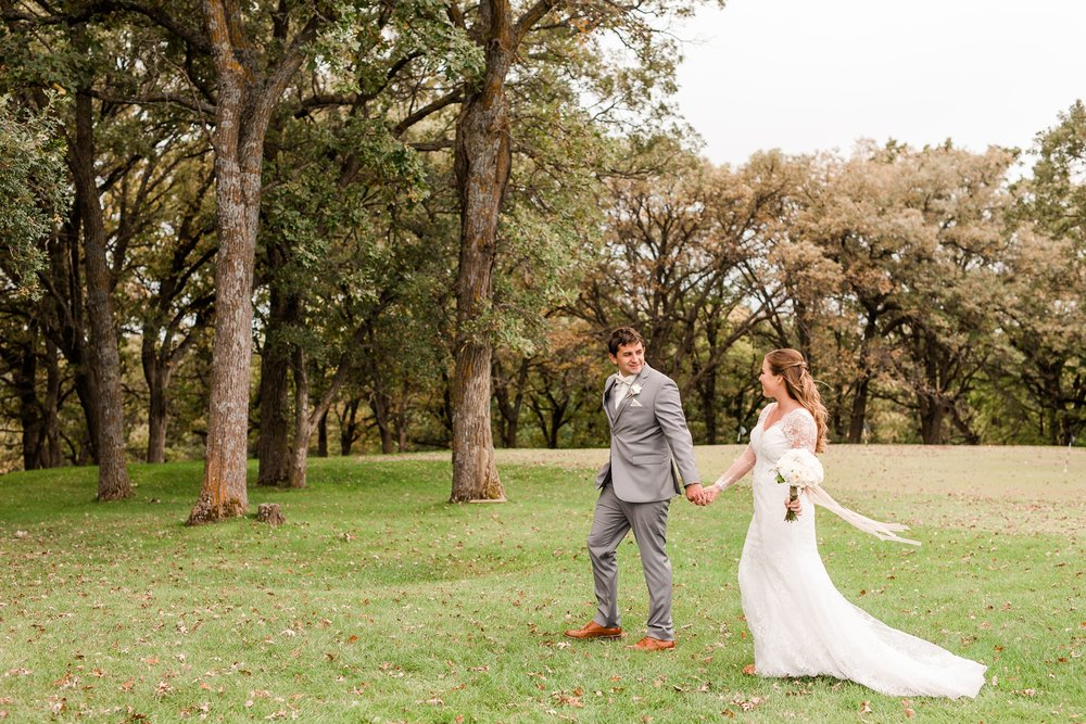 AmberLangerudPhotography_Fair Hills Resort Lakeside Wedding in Minnesota_3447.jpg