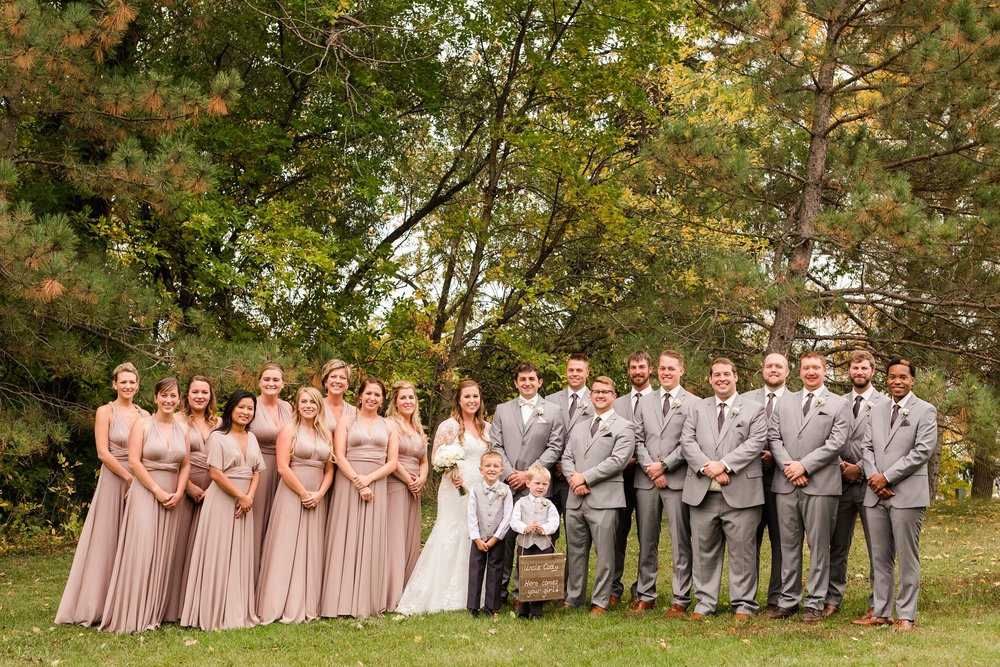AmberLangerudPhotography_Fair Hills Resort Lakeside Wedding in Minnesota_3449.jpg