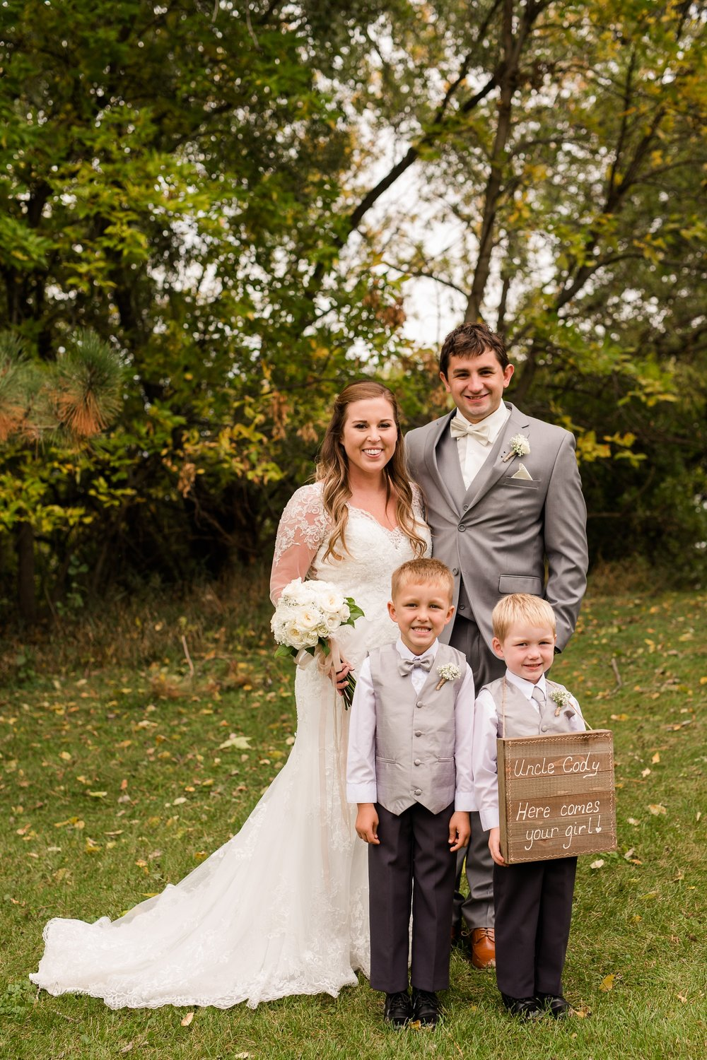 AmberLangerudPhotography_Fair Hills Resort Lakeside Wedding in Minnesota_3448.jpg