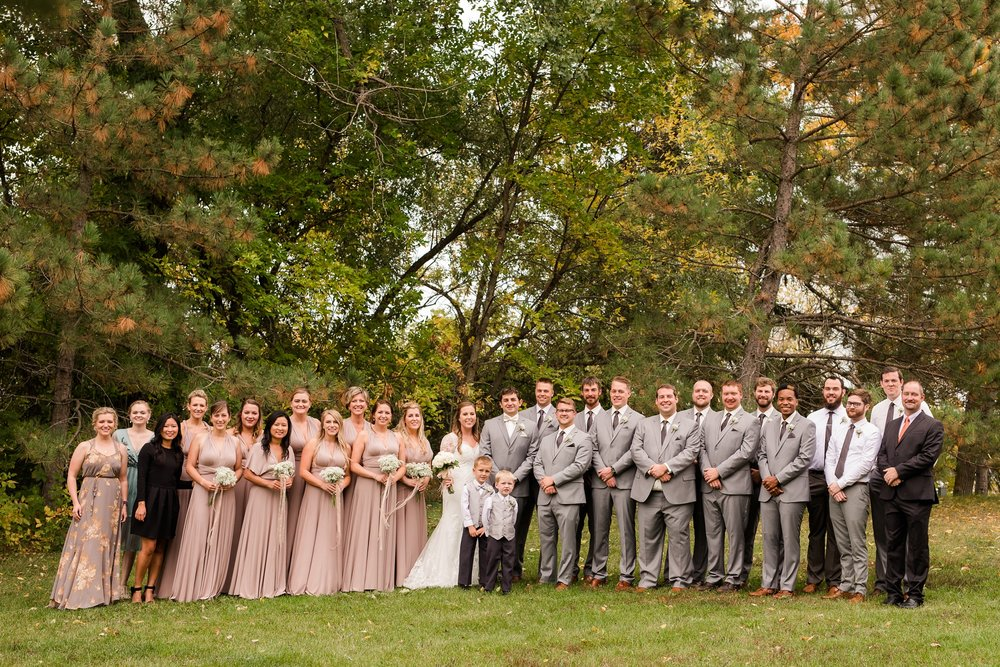 AmberLangerudPhotography_Fair Hills Resort Lakeside Wedding in Minnesota_3450.jpg
