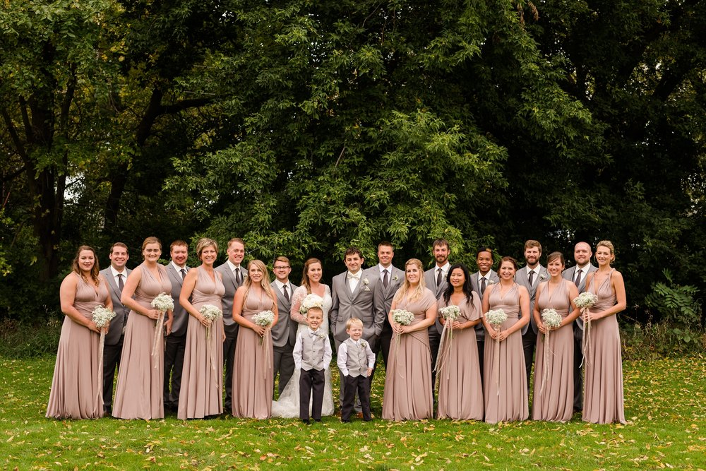 AmberLangerudPhotography_Fair Hills Resort Lakeside Wedding in Minnesota_3451.jpg