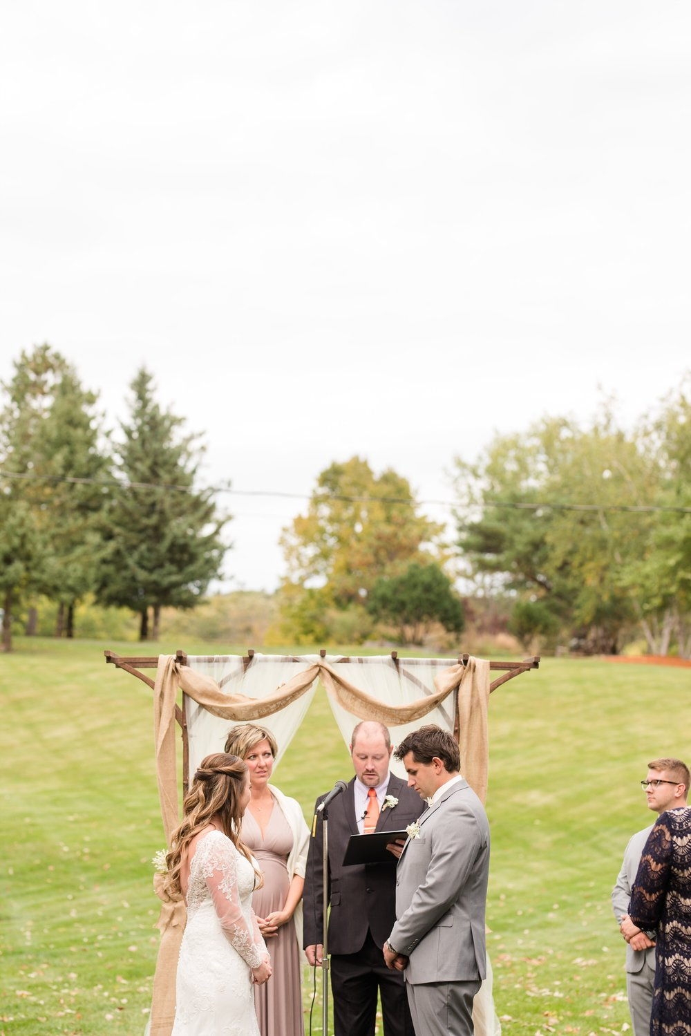 AmberLangerudPhotography_Fair Hills Resort Lakeside Wedding in Minnesota_3462.jpg