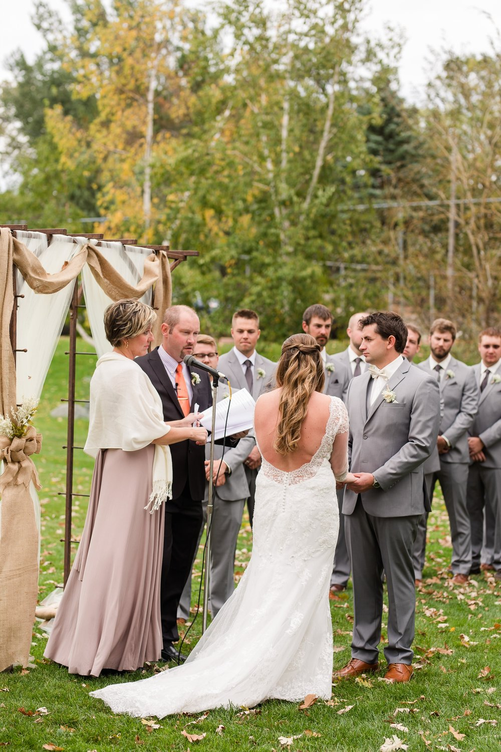 AmberLangerudPhotography_Fair Hills Resort Lakeside Wedding in Minnesota_3466.jpg