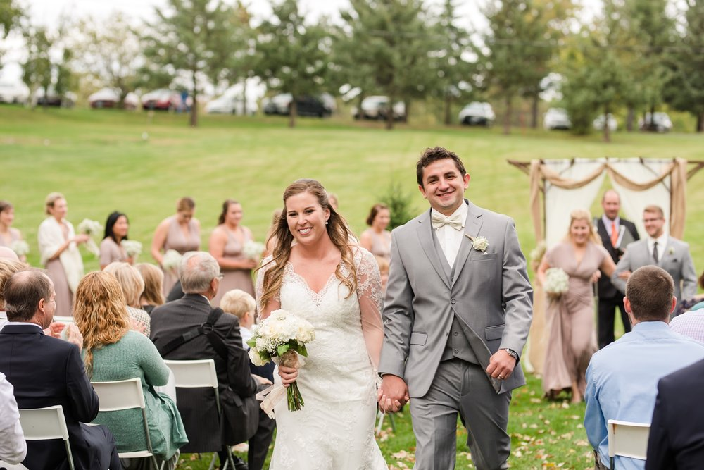 AmberLangerudPhotography_Fair Hills Resort Lakeside Wedding in Minnesota_3470.jpg