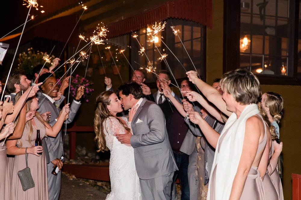 AmberLangerudPhotography_Fair Hills Resort Lakeside Wedding in Minnesota_3489.jpg