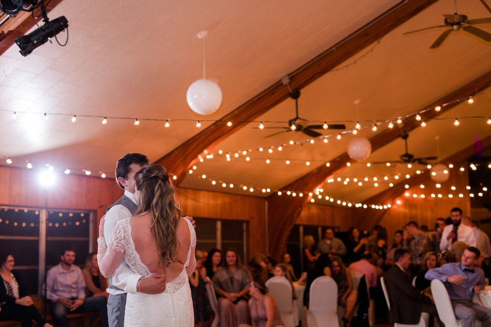 AmberLangerudPhotography_Fair Hills Resort Lakeside Wedding in Minnesota_3493.jpg