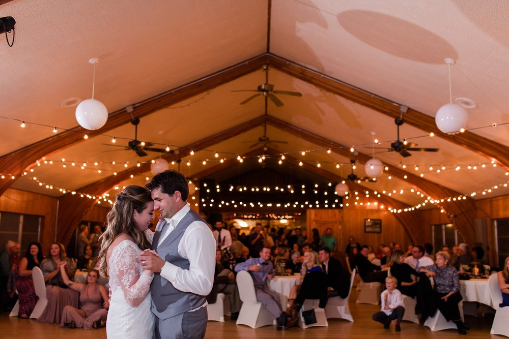 AmberLangerudPhotography_Fair Hills Resort Lakeside Wedding in Minnesota_3496.jpg