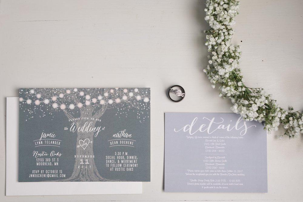 Amber Langerud_Rustic Oaks, MN winter barn wedding_0508.jpg
