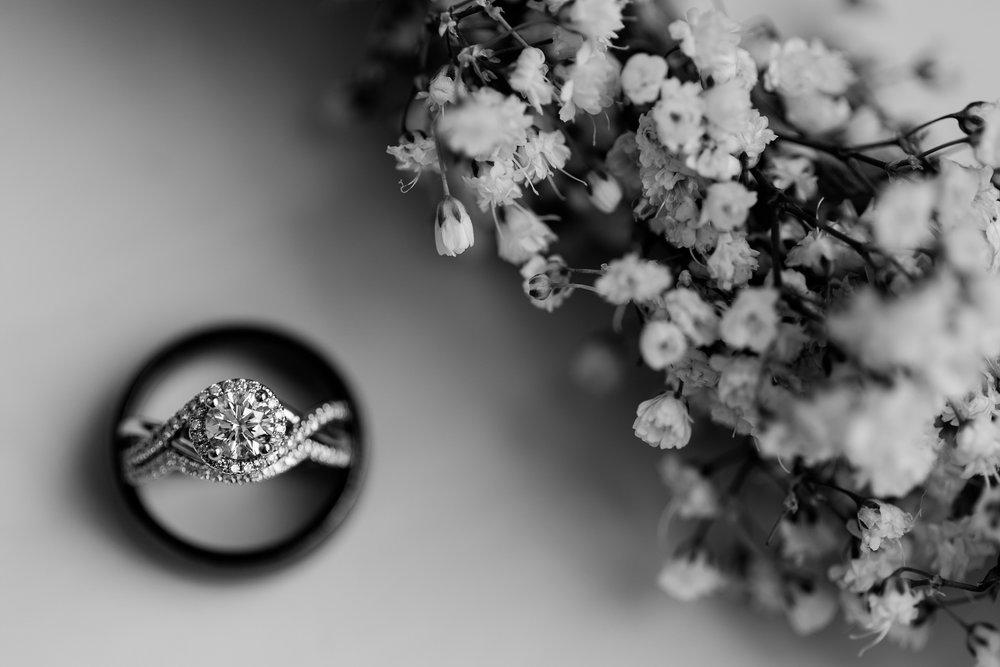Amber Langerud_Rustic Oaks, MN winter barn wedding_0511.jpg