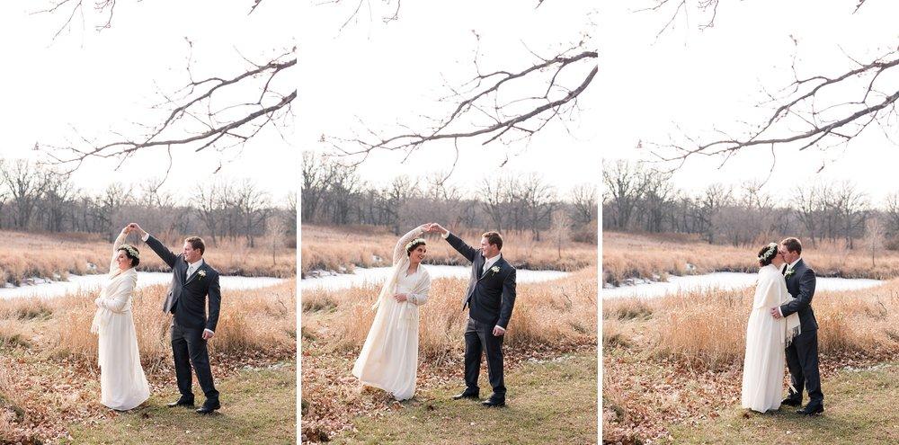 Amber Langerud_Rustic Oaks, MN winter barn wedding_0519.jpg