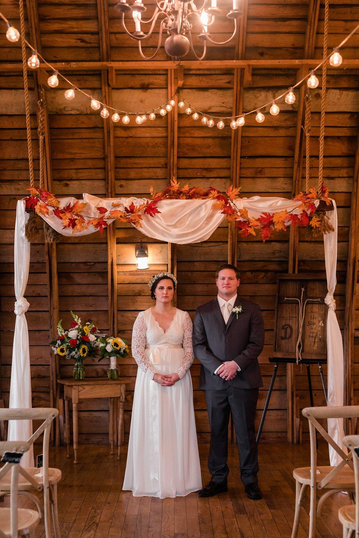 Amber Langerud_Rustic Oaks, MN winter barn wedding_0539.jpg