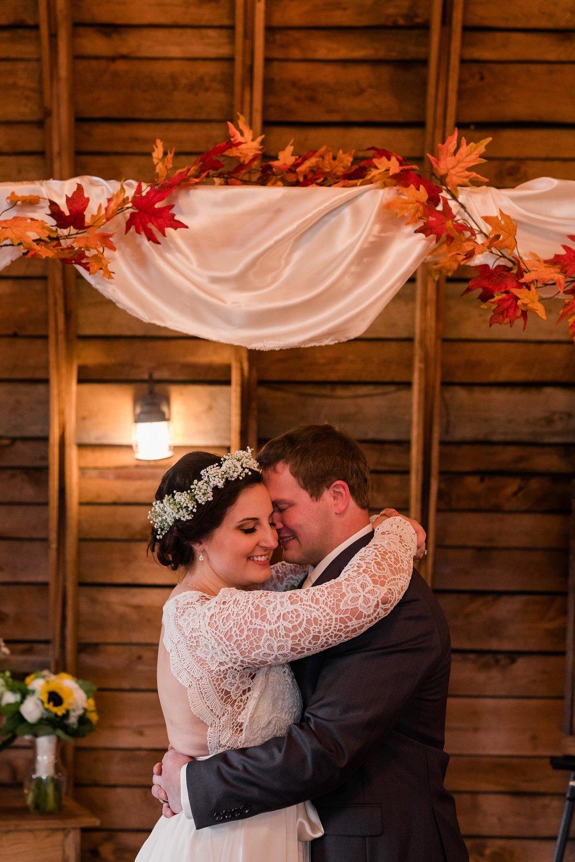 Amber Langerud_Rustic Oaks, MN winter barn wedding_0543.jpg