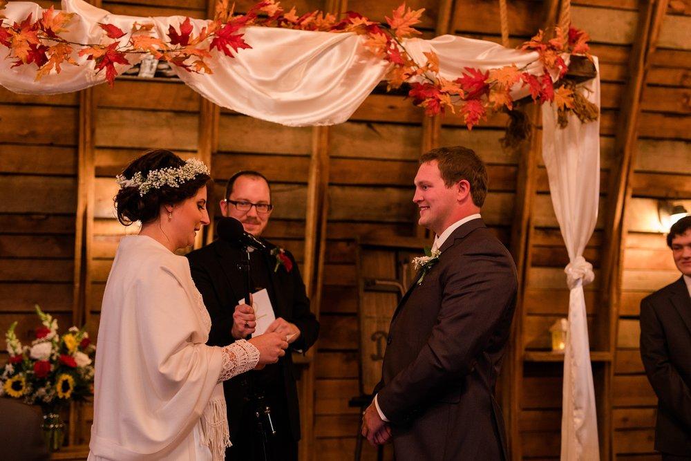 Amber Langerud_Rustic Oaks, MN winter barn wedding_0548.jpg