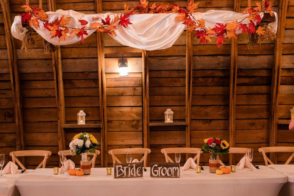 Amber Langerud_Rustic Oaks, MN winter barn wedding_0554.jpg
