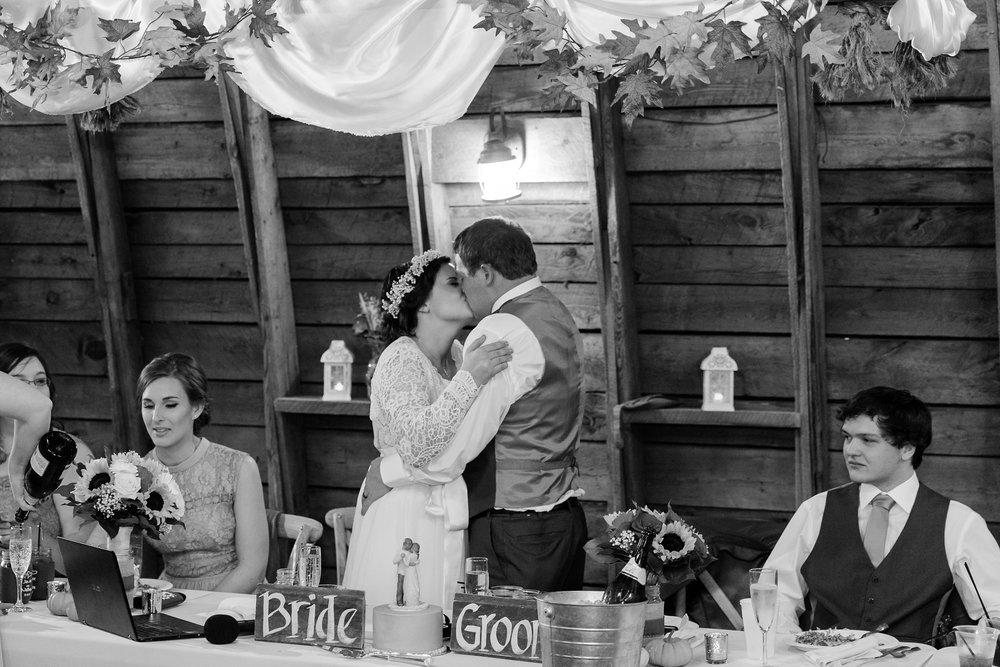 Amber Langerud_Rustic Oaks, MN winter barn wedding_0559.jpg